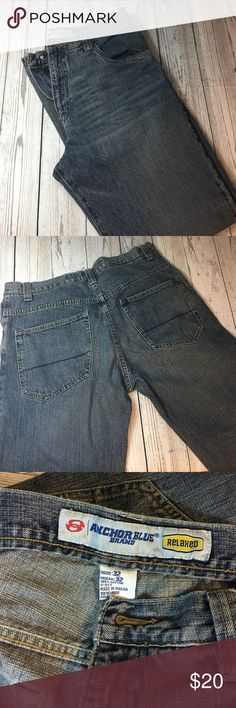 Men's jeans in 32x32 slight distressed look! Great condition men's jeans in a 32 waist by 32 length. Hardly worn in excellent condition. Proved to move. anchor blue  Jeans Relaxed