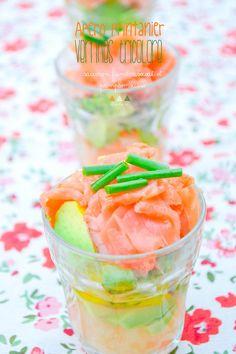 Verrines tricolores: saumon, avocat, pamplemousse  Tricolored verrines: smoked salmon, avocado & grapefruit