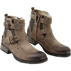 """#Stivaletti """"Strapped Boot"""" della collezione #RockRebelbyEMP con cerniera laterale e borchie con logo Rock Rebel. Altezza gambale: 14 cm."""