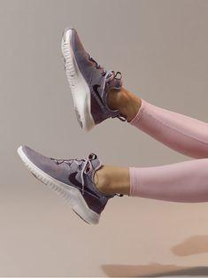 NIKE Wmns Nike Free Tr 8 Lm Atmosphere grey Smokey mauve-vast grey SNEAKERS 9a5b42285