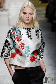 Blumarine Automne-hiver 2014-2015 - Prêt-à-porter - http://www.flip-zone.fr/fashion/ready-to-wear/fashion-houses-42/blumarine-4579 - ©PixelFormula