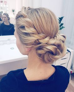 Próbna fryzura ślubna Julii  . . . #weddinghair #hairbyjul #weddinglook #wedding #hair #hairstyle #blonde #girl #bride #polishgirl #fashion #style #hairphotos #longhair #beautiful #romantic #hairdo #inspiration #hairgoals #instahair #hairofig #fryzura #fryzuraslubna #dziewczyna #blondynka #dlugiewlosy #inspiracje