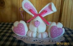 cute for easter...maybe a shelf sitter?
