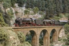 Another tressle to add to your layout design.  Also some great looking steam engines pulling in this pic.
