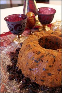 Figgy pudding (aka plum pudding, plum porridge, Christmas pudding and steamed pudding) from NPR's All Things Considered. One of the best and most crowd-pleasing recipes I've ever tried. Christmas Pudding, Christmas Desserts, Christmas Treats, Christmas Eve, Victorian Christmas, Christmas Baking, England Christmas, Christmas Foods, Christmas Cakes