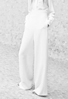 Chic Minimal Style - white wide-leg trousers; minimalist fashion // Chloe Resort 2014