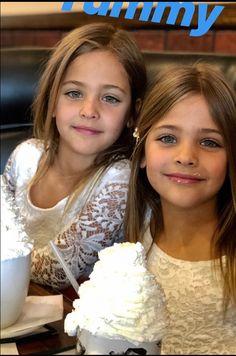 Twin Models, Young Models, Child Models, Beautiful Little Girls, The Most Beautiful Girl, Beautiful Children, Twin Girls Photography, Girls Denim Jacket, Little Girl Models