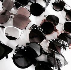 Sunglasses, fashion, and accessories image. Stylish Sunglasses, Cat Eye Sunglasses, Round Sunglasses, Women Accessories, Jewelry Accessories, Fashion Accessories, Style Vintage, Street Style, Streetwear Fashion