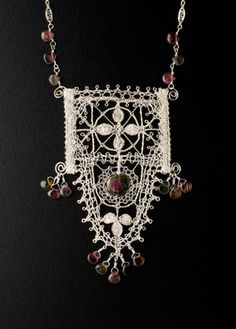 Lenka's Lace - Bobbin lace pendant made from silver wire - My teacher! Lace Jewelry, Textile Jewelry, Handmade Jewelry, Lace Earrings, Jewellery, Antique Lace, Vintage Lace, Wire Crochet, Crochet Edgings