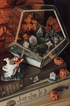 Fete Halloween, Halloween Inspo, Halloween Home Decor, Halloween House, Holidays Halloween, Spooky Halloween, Halloween Crafts, Happy Halloween, Halloween Decorations Apartment