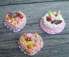 Set of Miniature Cakes