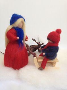 Mutter und Kind mit Schlitten ~ Jahreszeitentisch - ein Designerstück von DieKleineFilzMaus bei DaWanda