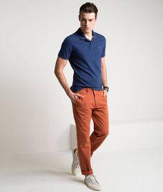 Richards - calça jeans cor larange conversa muito bem com cor azul ártico
