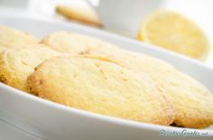 Some delicious cookies and yes, no butter. Do not deprive yourself of any dessert and less than delicious ones homemade cookies If you have Lemon Dessert Recipes, Sweet Recipes, Cookie Recipes, Homemade Cookies, Yummy Cookies, Homemade Recipe, Lemon Sugar Cookies, Shortbread Bars, Le Chef