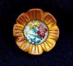 Old bakelite button - Vintage carved bakelite button- Bakelite carved glass intaglio button - Old bakelite flower button - Antique button by BECKSRELICS on Etsy