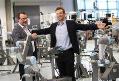 Mikkel Christoffersen fra Odense Robotics og Esben Østergaard, dir. Universal Robots. (Fotograferet for Børsen-tillægget: Danmarks Digitale Fremtid)