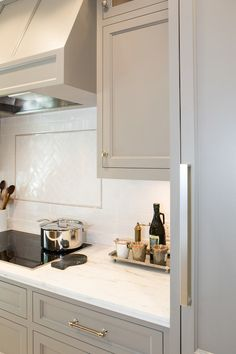 Popular Cabinet Paint Colors Cabinets painted with River Reflections from Benjamin Moore.Cabinets painted with River Reflections from Benjamin Moore. Kitchen Cabinets Decor, Kitchen Cabinet Colors, Grey Cabinets, Cabinet Decor, Painting Kitchen Cabinets, Kitchen Paint, Kitchen Redo, New Kitchen, Cabinet Ideas