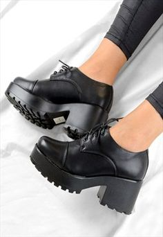 LILY Retro Lace Up Chunky Grip Heel Ankle Boots Shoes