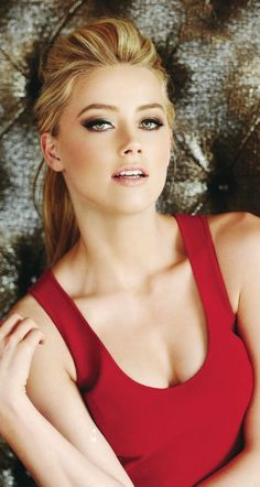 Keep the Glamour/ Be stay Beautiful / Amber Heard Beautiful Eyes, Most Beautiful Women, Simply Beautiful, Beautiful People, Filles Alternatives, Beauté Blonde, Blonde Highlights, Amber Rose, Beautiful Celebrities