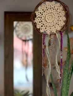 DIY Desktop Dream Catchers – How To Make A Dreamcatcher | Free People Blog