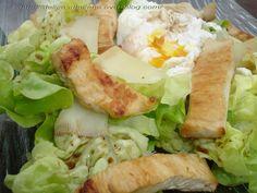 """La salade César, en soi c'est déjà un délice mais le défi a été d'alléger le tout. C'est la recette que nous propose Julie dans son livre """"Julie cuisine pour garder la ligne"""". Le défi relevé n'est pas des moindres: pas plus d'une cuillérée à soupe d'huile..."""