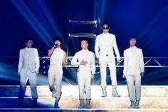 Taeyang and fellow BIG BANG members G-Dragon, TOP, Daesung, and Seungri rocking the all-white ensemble. Looking fresh!