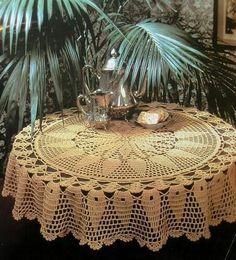 Kira scheme crochet: Scheme crochet no. Crochet Table Topper, Crochet Tablecloth Pattern, Crochet Bedspread, Crochet Diagram, Crochet Motif, Crochet Doilies, Crochet Patterns, Crochet Cactus, Mantel Redondo A Crochet
