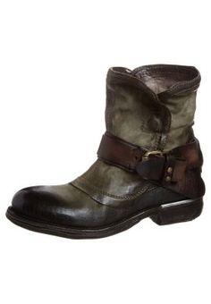 Cowboy/Biker boots - green