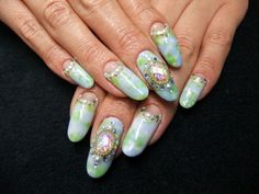 Светло-голубой маникюр с зелеными вкраплениями и декором в виде страз и камней ::: onelady.ru ::: #nail #nails #nailart #manicure