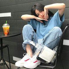 Korean Fashion On The Streets Of Paris Style Ulzzang, Mode Ulzzang, Ulzzang Korean Girl, Cute Korean Girl, Asian Girl, Ulzzang Girl Selca, Kfashion Ulzzang, Korean Girl Fashion, Ulzzang Fashion