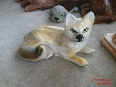 Yatan Kedi Heykeli Cats, Animals, Gatos, Animales, Animaux, Animal, Cat, Animais, Kitty