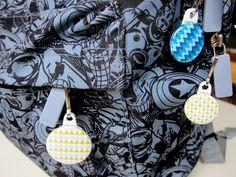 Modern City - Tirettes sac à dos personnalisées  ///  Custom zipper pulls on backpack