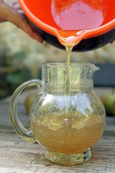 this delicious spicy Fresh Ginger Syrup recipe to enliven drinks and cocktails, and homemade ginger ale!Make this delicious spicy Fresh Ginger Syrup recipe to enliven drinks and cocktails, and homemade ginger ale! Ginger Soda, Ginger Syrup, Fresh Ginger, Fresh Lime, Ginger Water, Ginger Ale Recipe, Homemade Ginger Ale, Homemade Syrup, Salsa Dulce