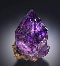 Amethyst - Kedon, Magadanskaya Oblast', Far-Eastern Region, Russia Size: x x cm Minerals And Gemstones, Rocks And Minerals, Crystal Magic, Beautiful Rocks, Mineral Stone, All Things Purple, Rocks And Gems, Stones And Crystals, Pineal Gland