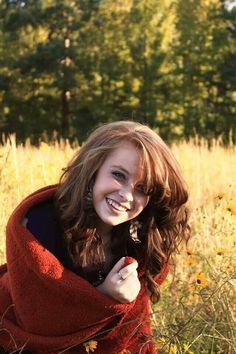Fall comfy blanket photography senior photos models