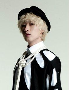 Super Junior Eunhyuk - Born in South Korea in 1986. #Fashion #Kpop
