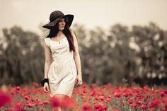 500px / Photo In the poppy field by Leonardo Basana