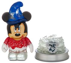 """The """"Light Up"""" Disney Store 25th anniversary series has been delayed since January due to quality issues. With the Disney Store's 25th anniversary being on Wednesday, the series was set to come out then. Then, we started hearing delays until mid April. I was to the point of giving up on the series. Then today, …"""