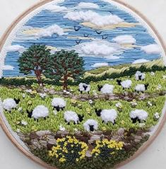 Sheep, Craft Ideas, Embroidery, Table Decorations, Happy, Crafts, Home Decor, Bias Tape, Needlepoint