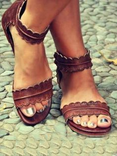 6d936fad2b0552 Braune Runde Zehe Flache Schnalle Mode Knöchel Hippie Sommer Flip Flops  Römer Sandalen Damen Schuhe -