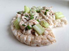 Eet vaker vis door het toe te voegen aan de lunch. Deze makreelsalade is lekker en zo gemaakt. Recept > www.lekkeretenmetlinda.nl