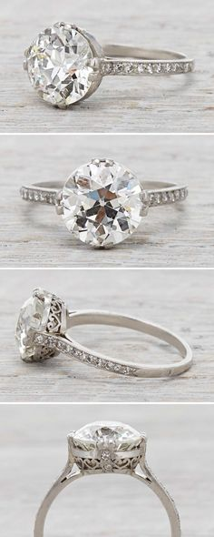 Art Deco vintage engagement ring with a 3.77 Carat Diamond