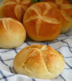Bread Recipes, Cooking Recipes, Bakers Gonna Bake, Biscuit Bread, Good Food, Yummy Food, Bread Cake, Sourdough Bread, Polish Recipes
