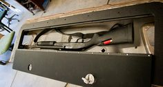 Tailgate lid - hidden compartment in truck tailgate from Wagon Gear Ford Trucks 2014, New Trucks, Cool Trucks, Toyota Trucks, Truck Storage, Gun Storage, Vehicle Storage, Pickup Camping, Truck Bed Accessories