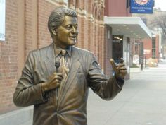 Bill Clinton's Accusers Demand Removal of Statue in South Dakota