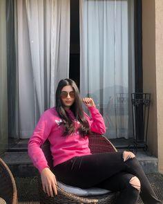 Sweatshirt style #casualoutfit #casualstyle #pinkoutfit #streetstylefashion