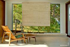"""O lar deve ser o tesouro da vida."" - Le Corbusier    Residência SV . 2016 . Interiores Projeto Ruschel Arquitetura"