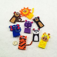 Set of 8 Jungle Animal Finger Puppets por BunchesOfAnimals en Etsy