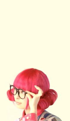 What a cutie! Kyary Pamyu Pamyu frequently uses gyaru circle contact lenses for her signature shockingly adorable look.