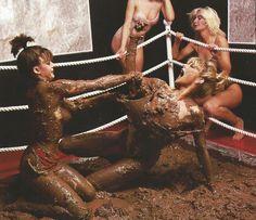 泥んこレスリング